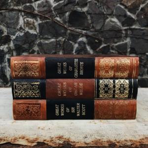 Шкатулка в виде 3х книг